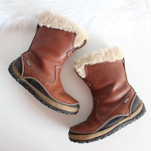 Merrell Brown Leather Faux Fur  Trim Snow Boots